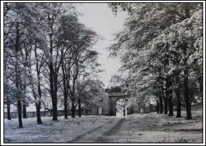 Entrance to Archway Lodge