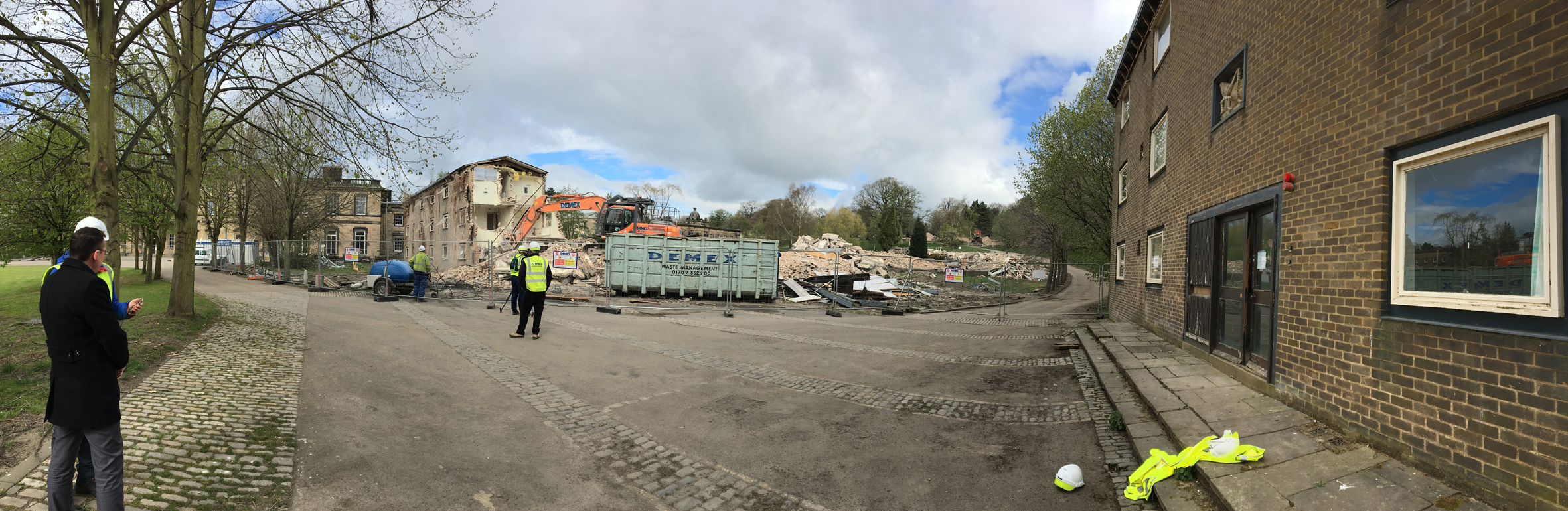 Pano Mansion Allendale Beaumont coming down Wentworth site Grasshopper 13Apr17