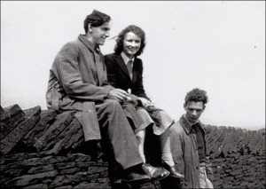 1950 - Leslie Burtenshaw (left) and friends