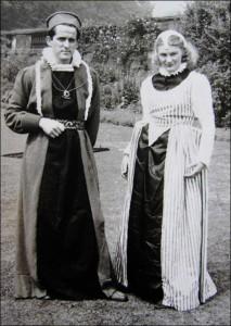 Elizabethan Progress - 1952 - (Image by courtesy of Leonard Bartle of the NAEA)
